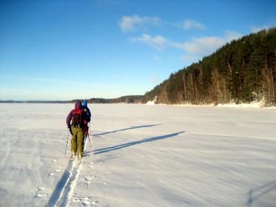 Matso ja Jasmo skinnaa jäällä